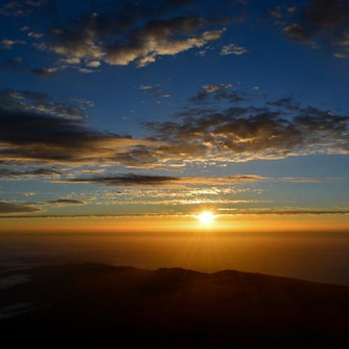 """Amanecer en el Teide • <a style=""""font-size:0.8em;"""" href=""""http://www.flickr.com/photos/132080213@N08/20545076271/"""" target=""""_blank"""">View on Flickr</a>"""