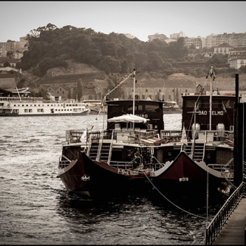 """Oporto • <a style=""""font-size:0.8em;"""" href=""""http://www.flickr.com/photos/132080213@N08/26531622693/"""" target=""""_blank"""">View on Flickr</a>"""